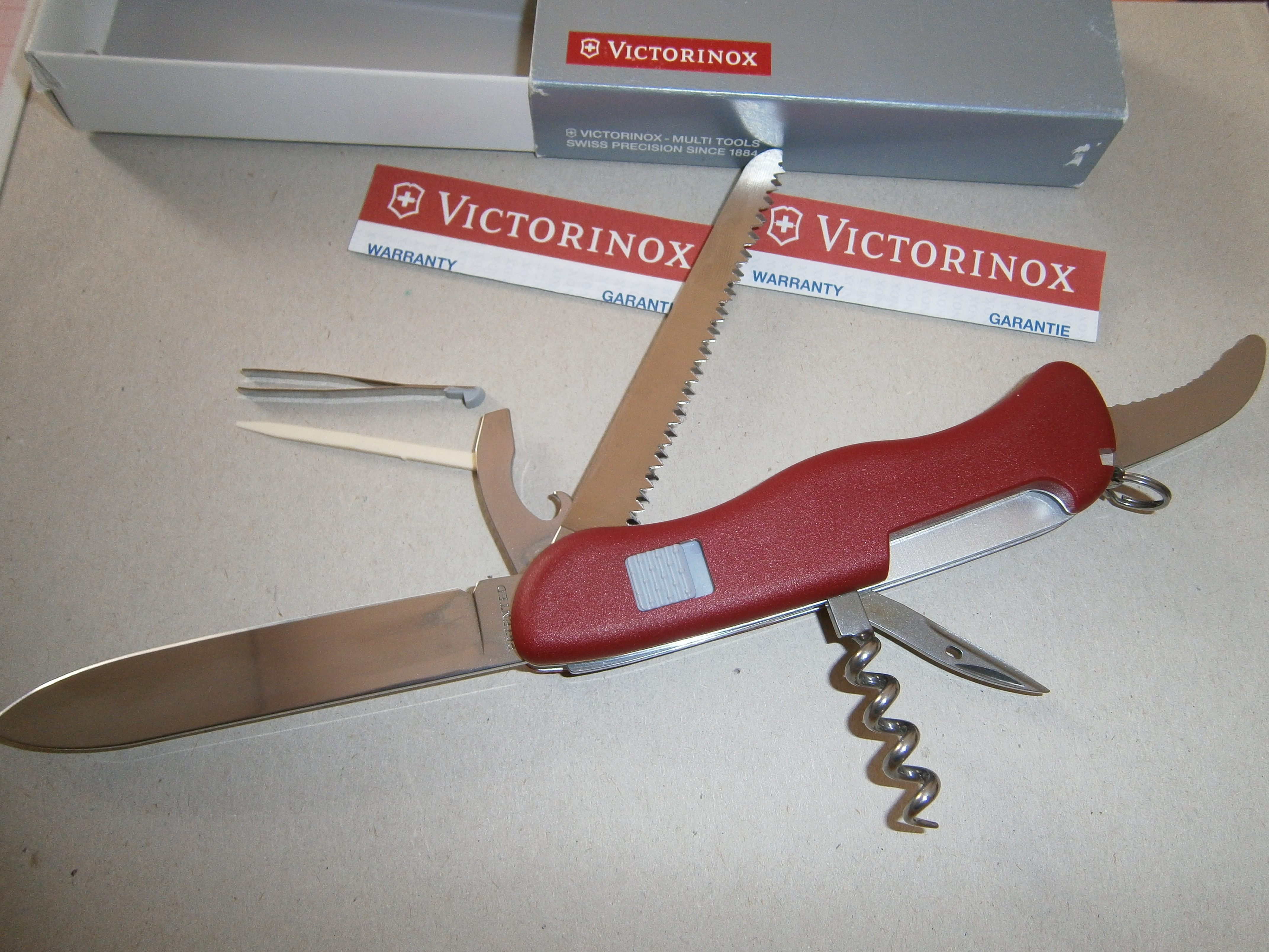 Knife Victorinox Hunter Red Xorl Eax Eax